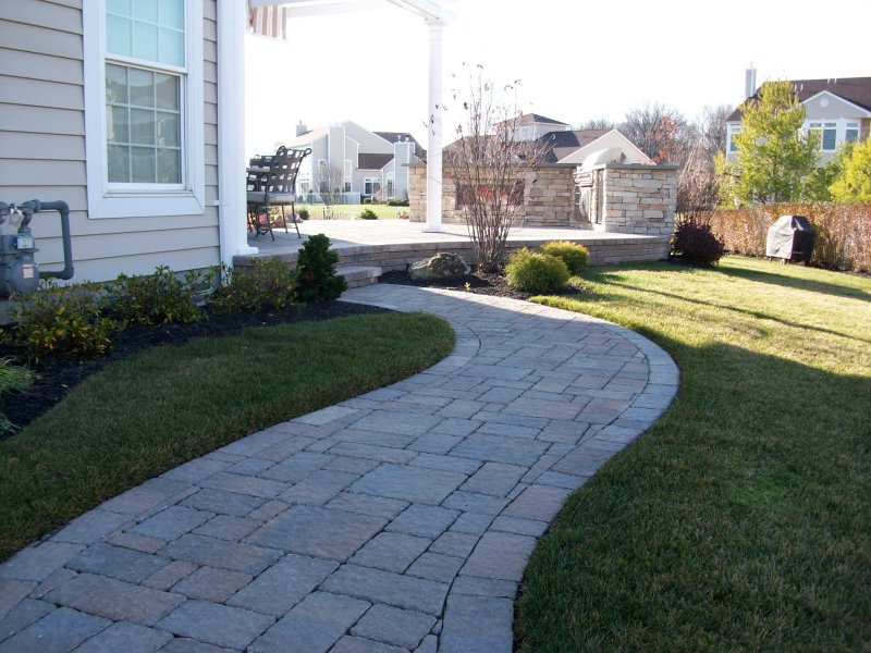 curved paver walkway