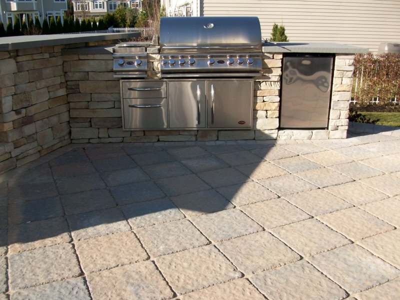 outdoor kitchen with bluestone counter top