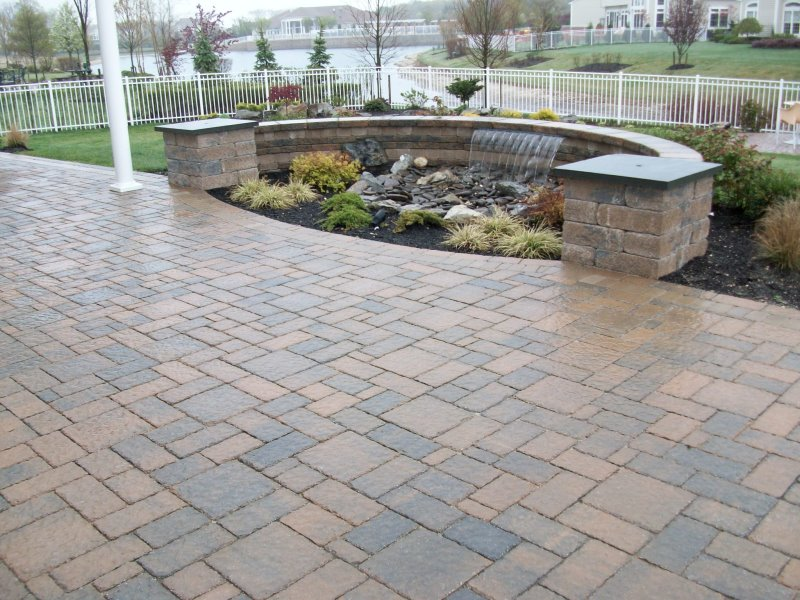 curved sheer descent pondless water feature