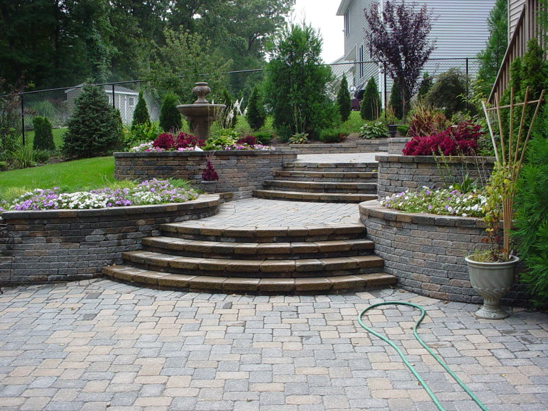 decorative retaining walls with steps