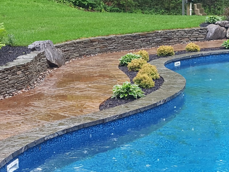 Pool patio with portofino coping